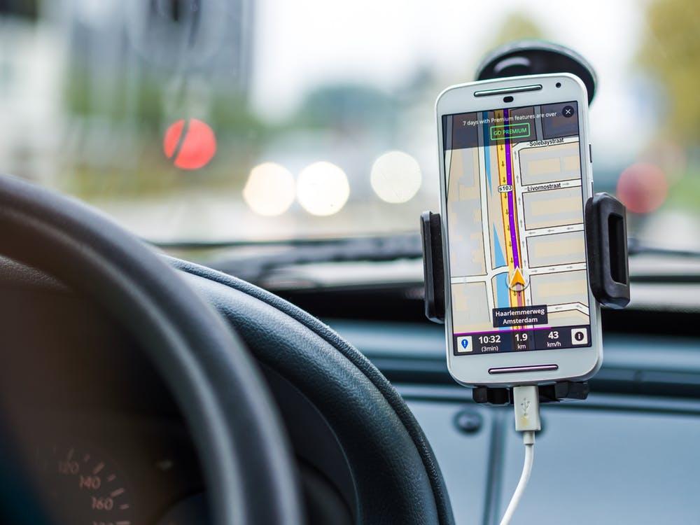 Delivery Driver Safe GPS Usage
